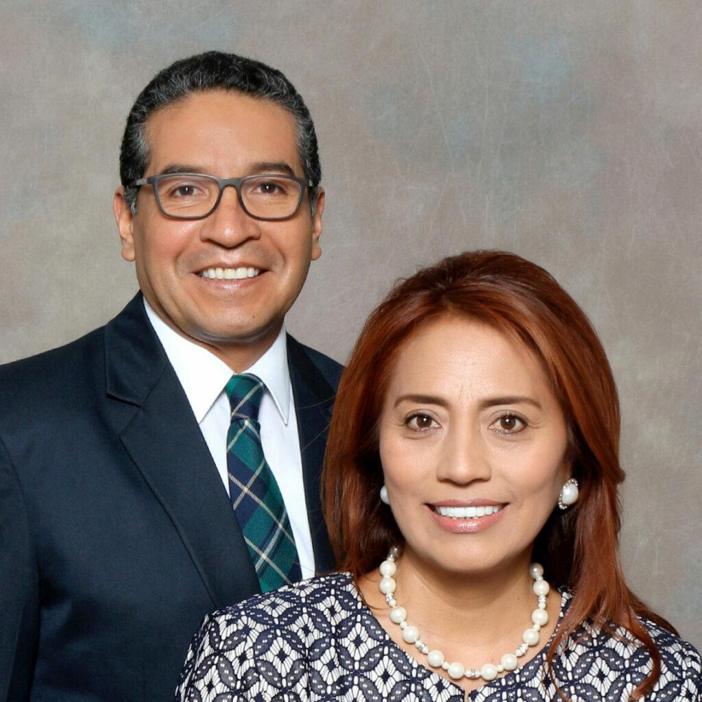 E. Xavier Espinoza y Silvia María Velásquez Casco