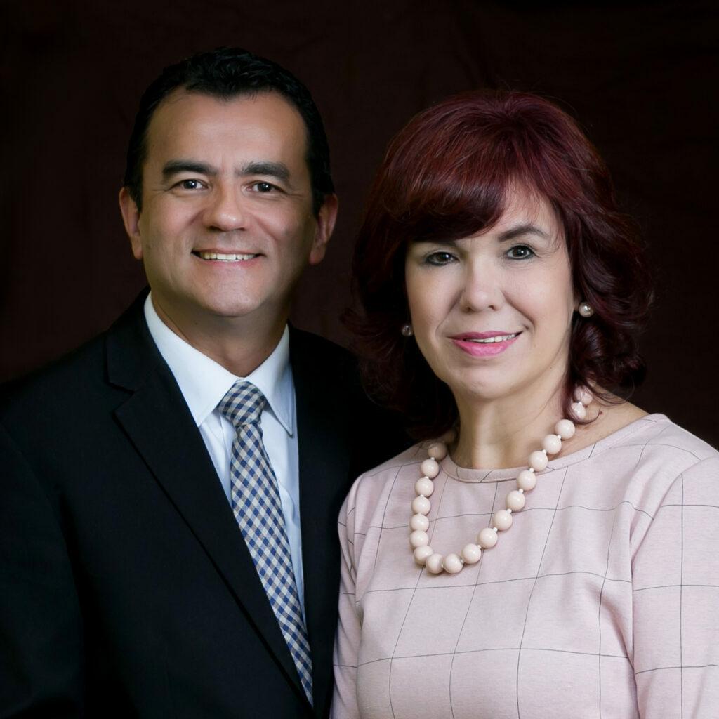Elton y Marisa Grahl Saucedo