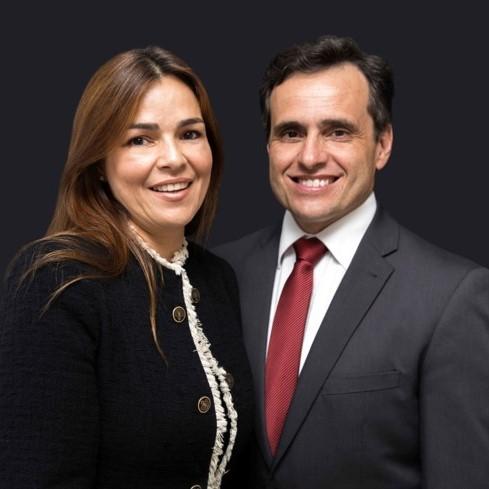 Daniela y Irineu E. Prado Jr.