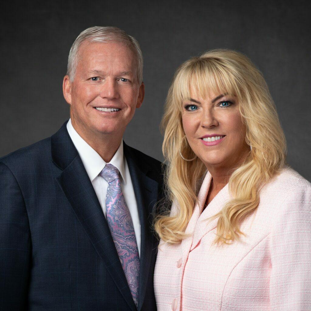 Shane O. y Linda D. Cook