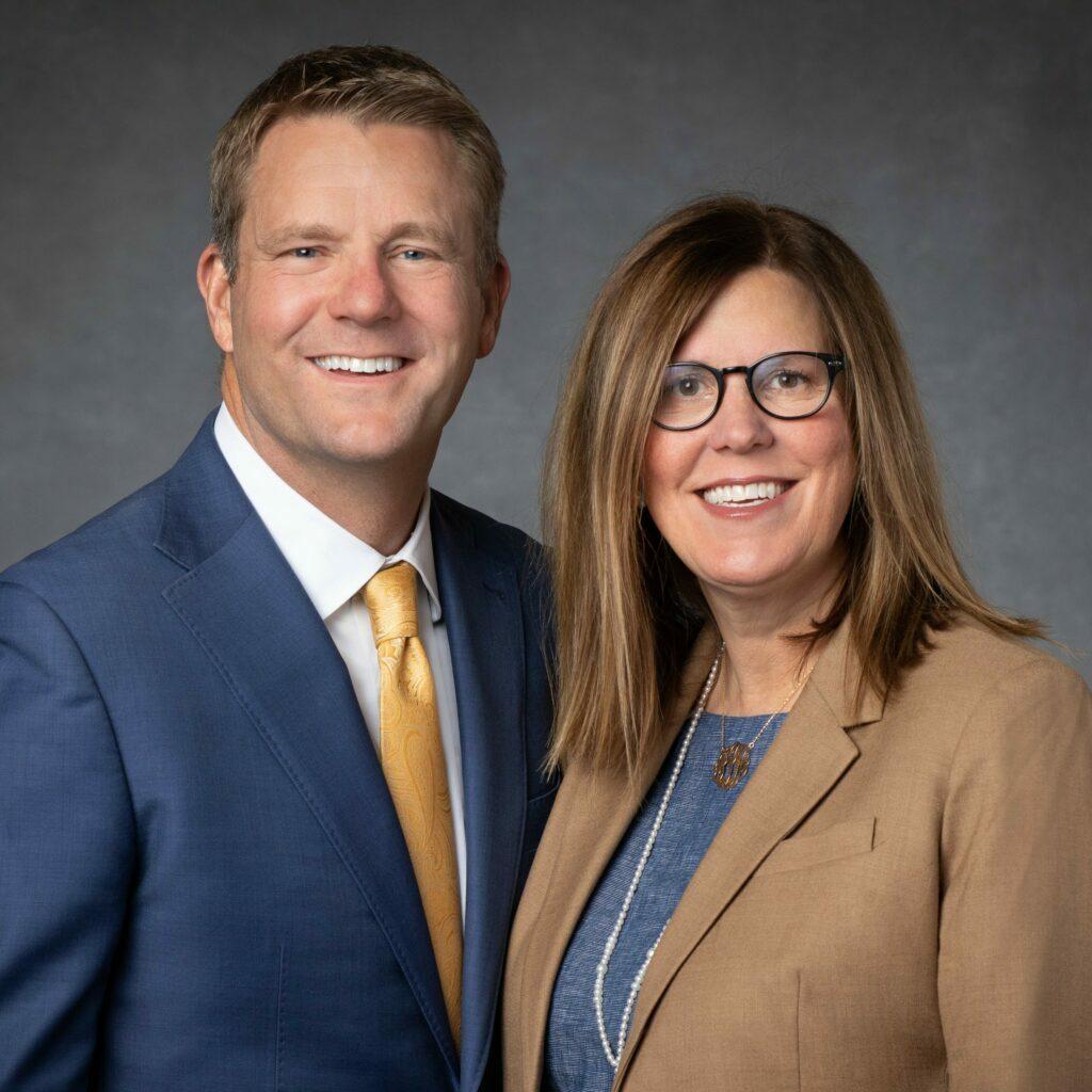 Robert L. y Tiffany L. Davis